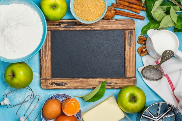 Ingredienti della torta di mele Foto Premium