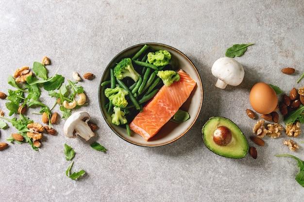 Ingredienti dietetici chetogenici Foto Premium