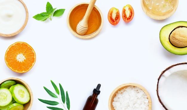 Ingredienti naturali per la cura della pelle fatta in casa Foto Premium