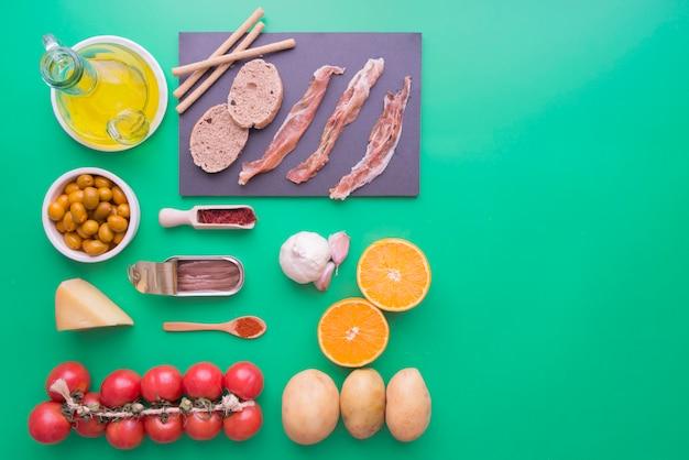 Ingredienti tipici della spagna Foto Premium