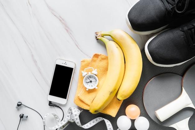 Insieme di oggetti di benessere e fitness Foto Gratuite