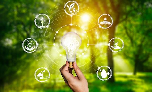 Interfaccia grafica della lampadina dell'innovazione energetica. Foto Premium
