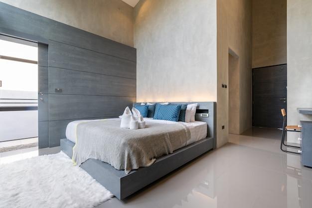 Interior design in camera da letto moderna Foto Premium