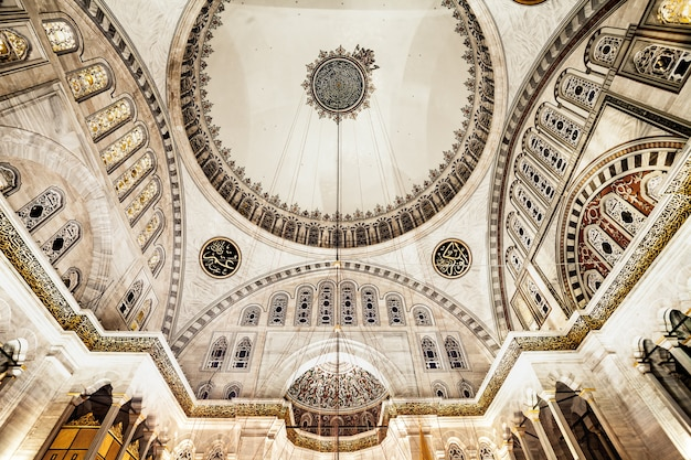 Interno della moschea blu Foto Premium
