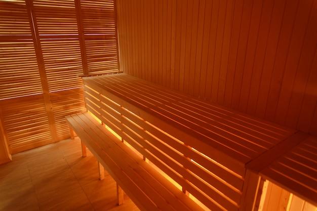 Interno della sauna in legno piccola casa Foto Premium