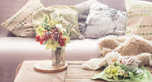 Interno di casa primavera nel soggiorno Foto Gratuite