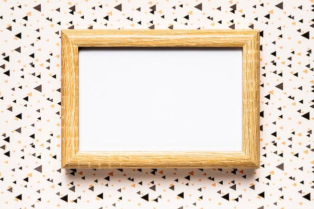 Invito a nozze con cornice in legno Foto Gratuite
