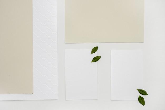 Invito a nozze minimalista piatto laico Foto Gratuite