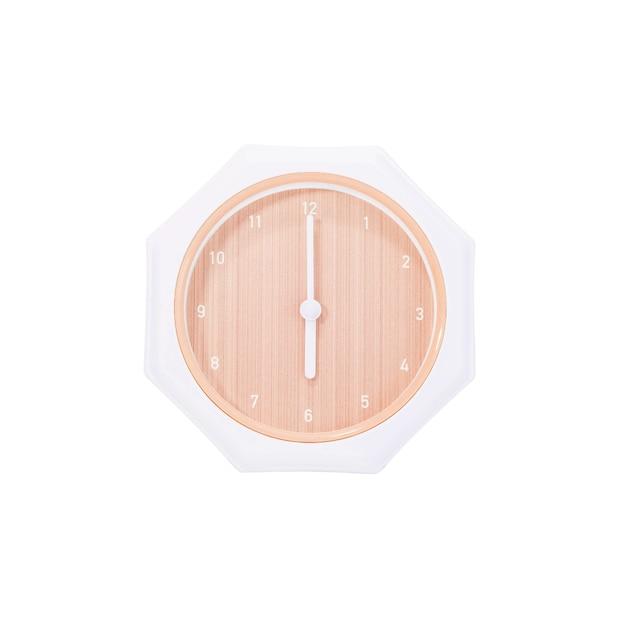 L'orologio di parete marrone del primo piano per decora in 6 in punto isolato su fondo bianco con il percorso di ritaglio Foto Premium