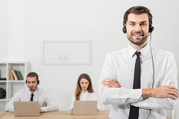 L'uomo nel call center Foto Gratuite