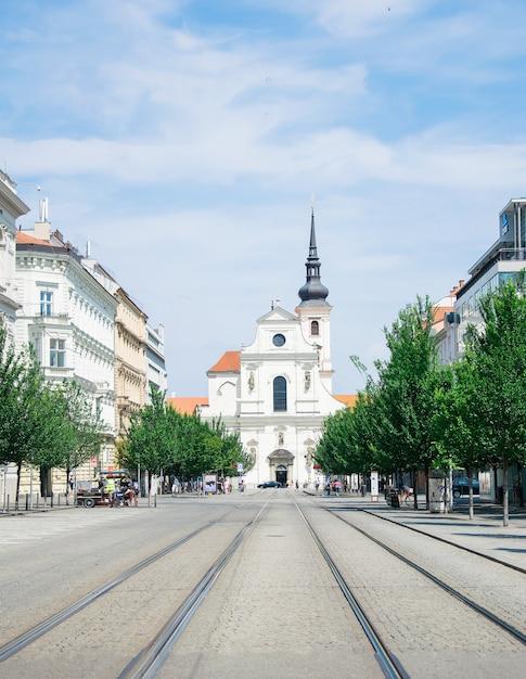La chiesa di san tommaso brno, repubblica ceca Foto Premium