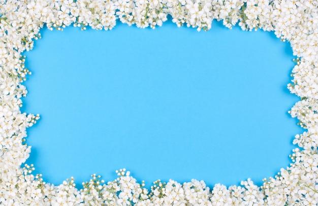 La cornice di mazzi di ciliegi Foto Premium