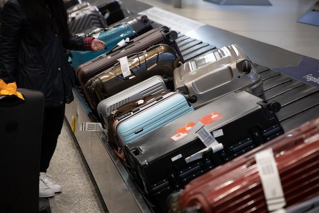 Baggage Claim   Vettori, Foto e file PSD Gratuiti