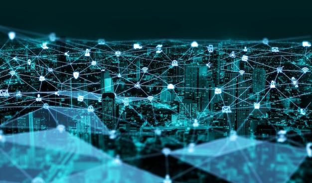 La moderna comunicazione creativa e la rete internet si connettono nella smart city Foto Premium