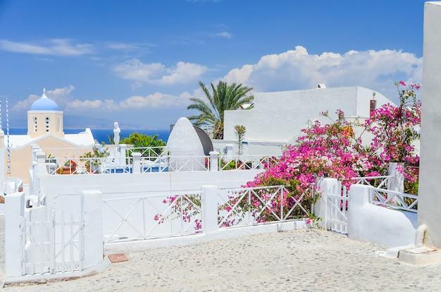 La pittoresca isola di santorini in grecia Foto Premium