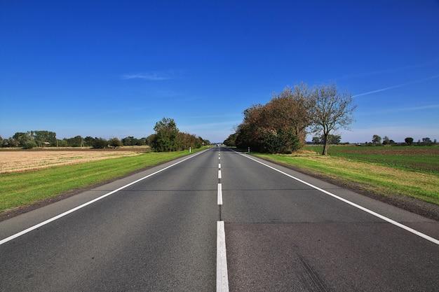 La strada per ludwigsburg, in germania Foto Premium