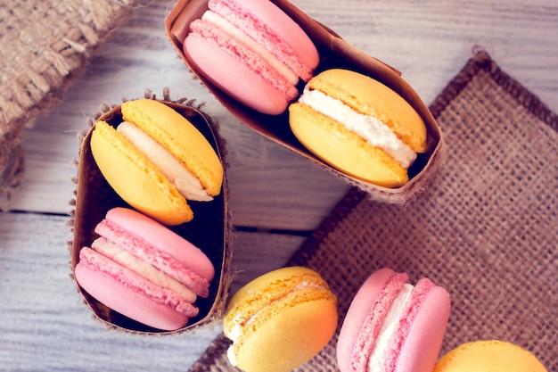La tradizione francese: amaretti colorati Foto Premium
