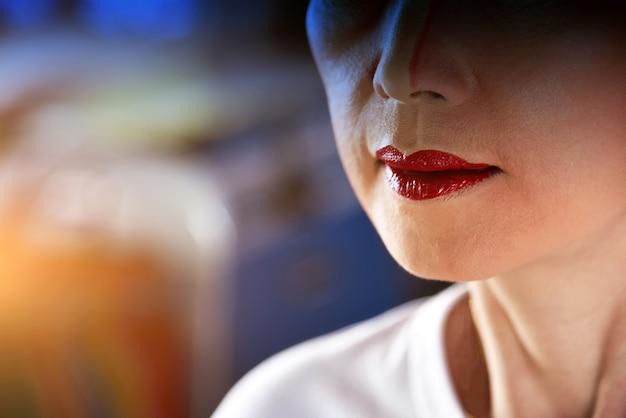 Labbra del primo piano di una donna Foto Premium