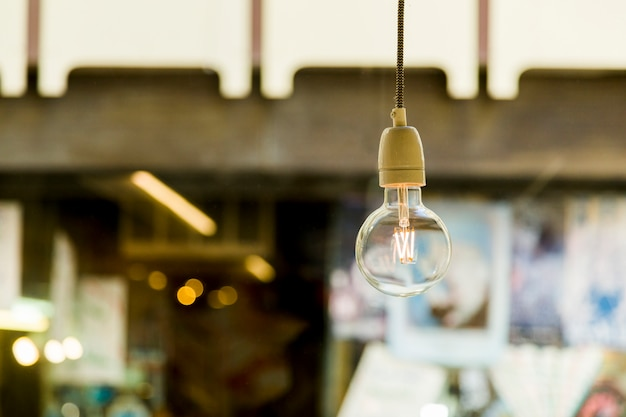 Lampada decorativa in un negozio Foto Gratuite