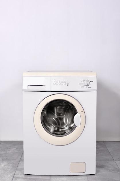 Lavatrice a casa Foto Premium