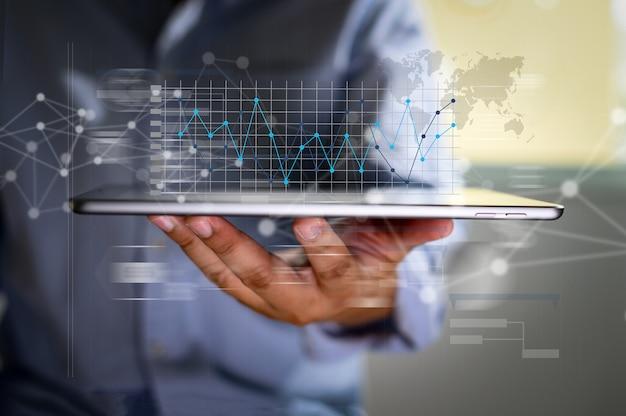 Lavorare sodo data analytics statistiche informazioni tecnologia aziendale Foto Premium