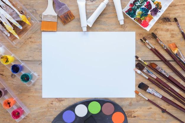 Lay out di cancelleria professionale per artista Foto Gratuite