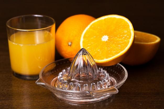 Le arance e il suo succo Foto Gratuite