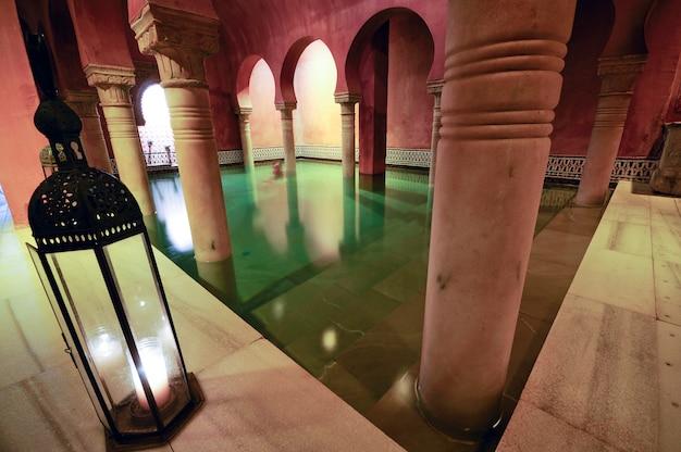 Le colonne dei bagni arabi a Granada | Scaricare foto gratis