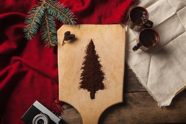 Le due tazze di caffè su legno Foto Gratuite