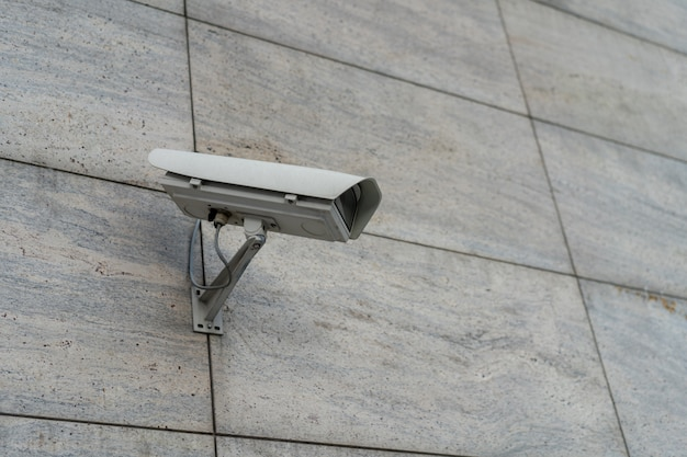 Le telecamere cctv sono installate lungo le strade. t Foto Premium