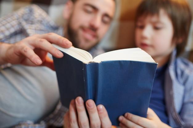 Leggere insieme Foto Gratuite