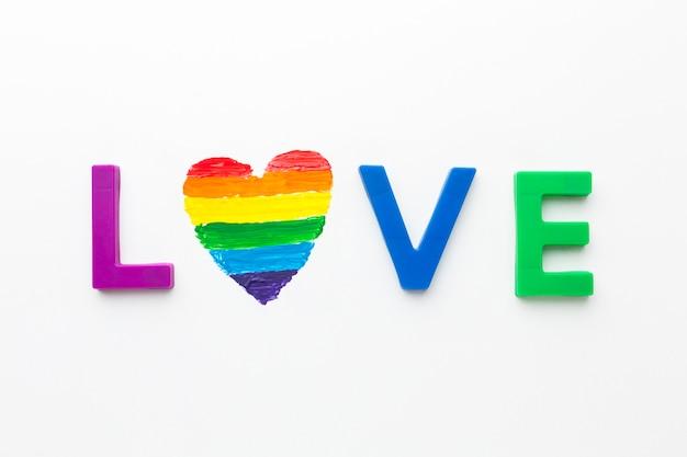 Lgbt amore e cuore arcobaleno Foto Gratuite