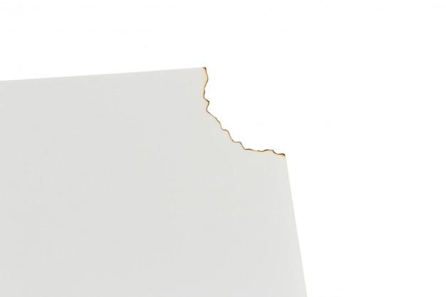 Libro bianco bruciato su uno sfondo bianco. spazio Foto Premium