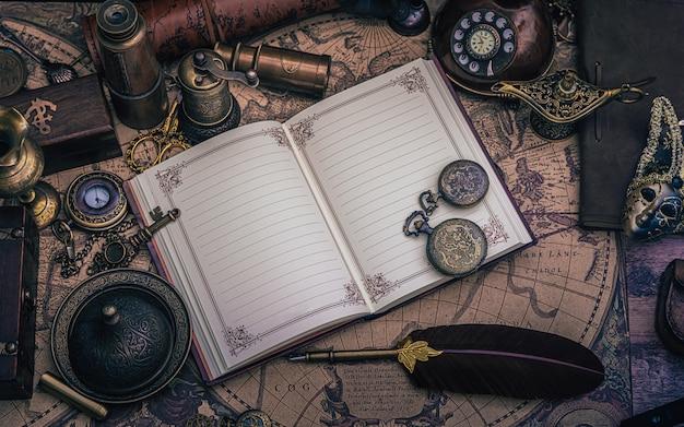 Libro diario con collezione pirati Foto Premium