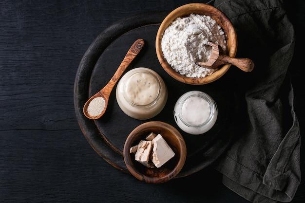 Lievito naturale per cuocere il pane Foto Premium