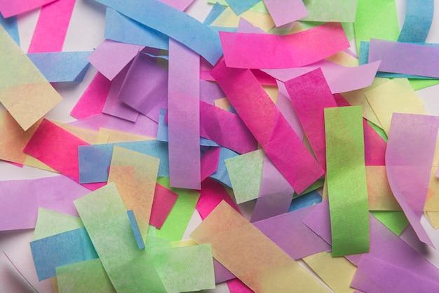 Lotto di coriandoli colorati Foto Gratuite