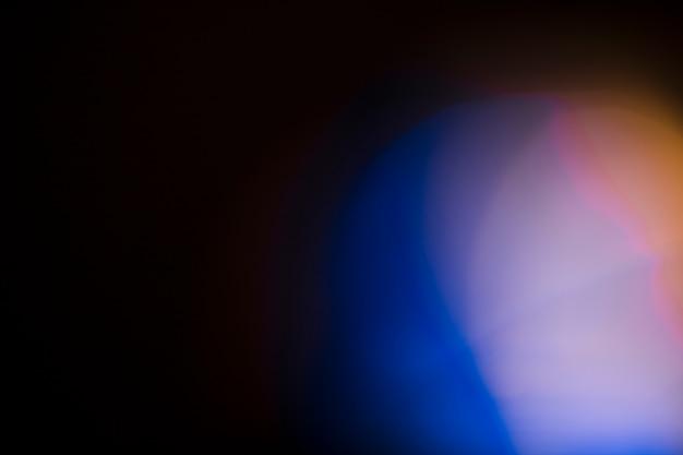 Luce intensa su sfondo nero Foto Gratuite