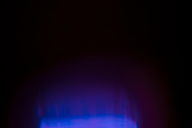Luce intensa su sfondo scuro Foto Gratuite