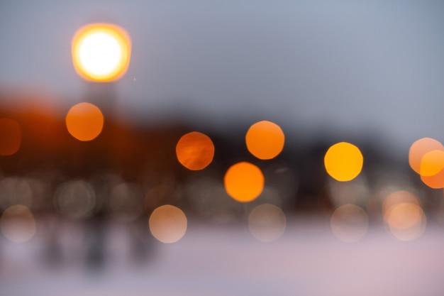 Luci sfocate bokeh giallo della strada Foto Premium