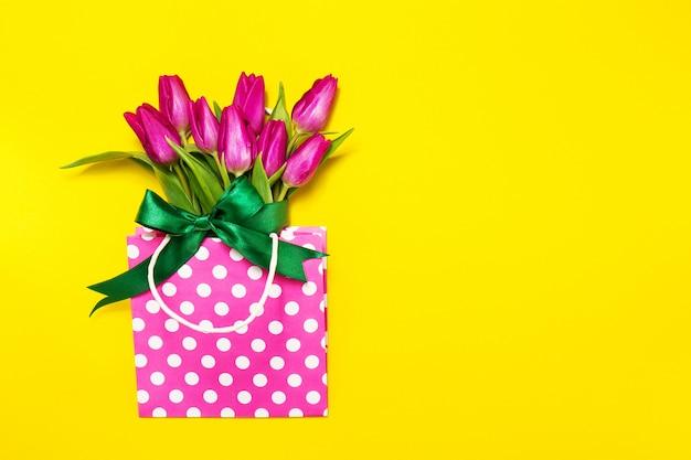Madri romantica bella giornata fioritura Foto Gratuite