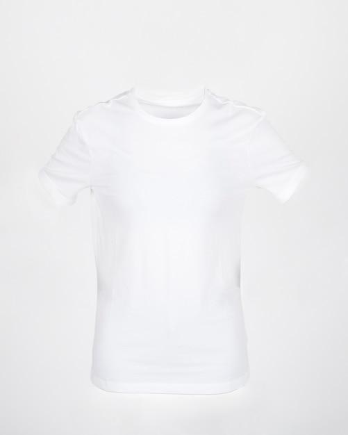 Maglietta bianca per mockup Foto Gratuite
