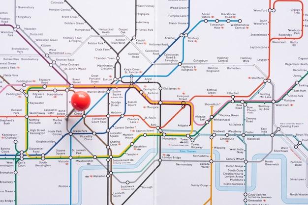 Mappa della metropolitana geometrica con pinpoint Foto Gratuite