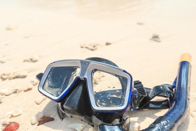 Maschera da sub e boccaglio, snorkeling Foto Premium