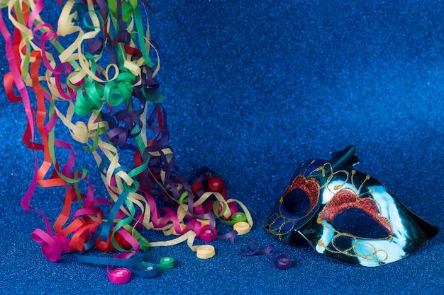 Maschera di carnevale con decorazione Foto Gratuite