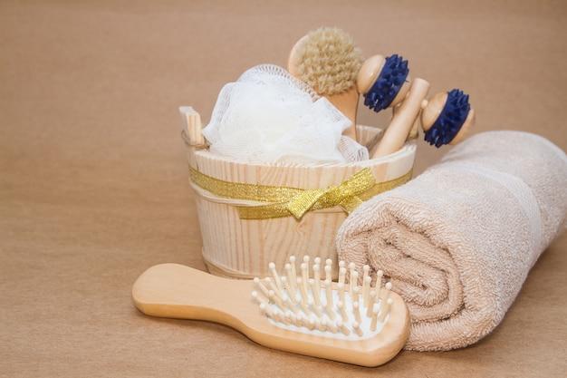 https://image.freepik.com/foto-gratuito/massaggio-in-bagno-turco-sauna-e-set-di-accessori_35666-372.jpg