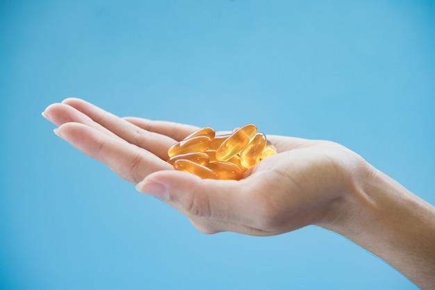 Medicine nel palmo della mano Foto Gratuite