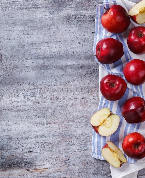 Mele rosse fresche Foto Premium