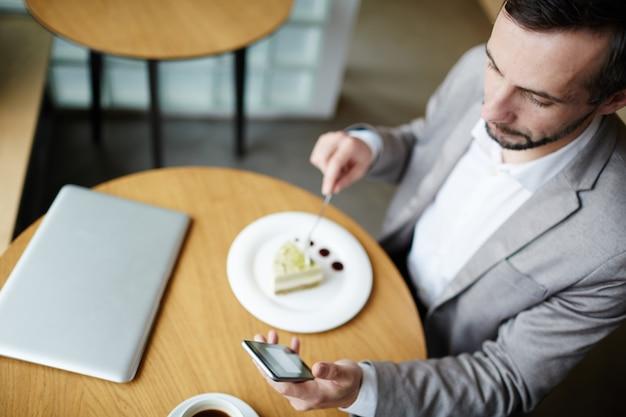 Messaggi nella caffetteria Foto Gratuite