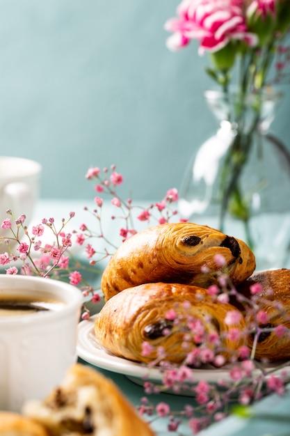 Mini panino con croissant freschi Foto Premium