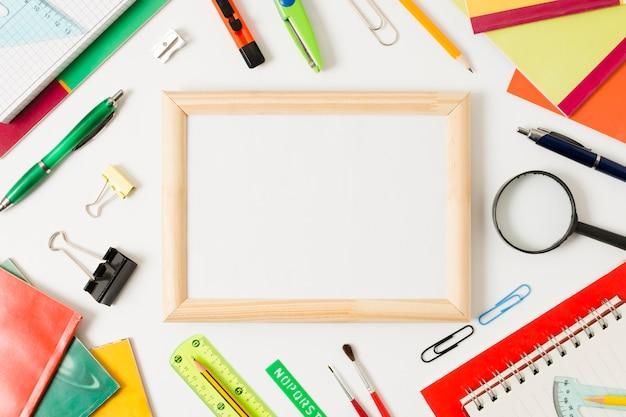 Mockup di accessori scuola colorata Foto Gratuite